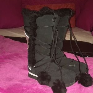 Nike tall black boots 🖤